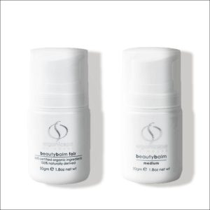 2 witte flacons Beautybalm van OrganicSpa, eentje in kleur fair, ander kleur medium